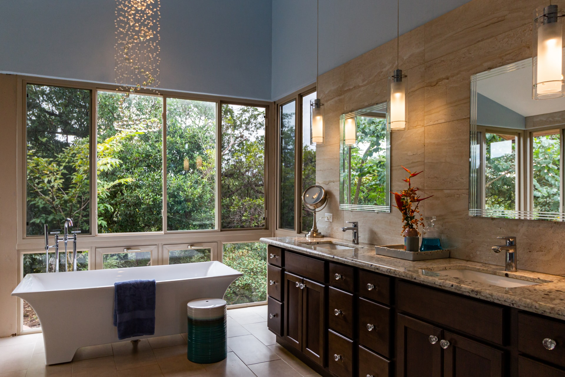 Bathroom- Soaking-Tub-Free-Standing-Real-Estate-EdenWarne
